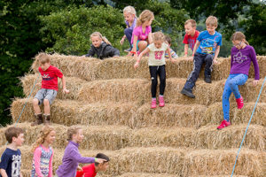 Little-Welly-activities-hay-bales